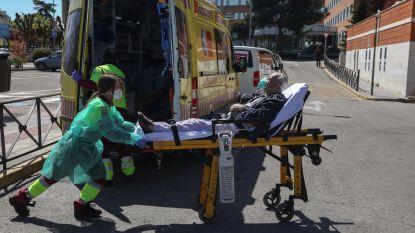 """LIVE. 78 nieuwe doden door coronavirus, maar """"curve is aan het afvlakken"""" - Opnieuw recordaantal doden in Spanje"""