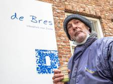 Een prakje en een praatje: zo zet inloophuis De Bres in coronatijd de deur op een kier voor eenzame Zwollenaren