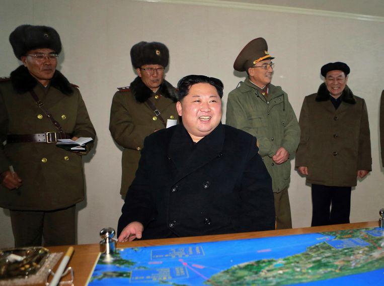 Een opgetogen Kim Jong-un na de test van gisteren.