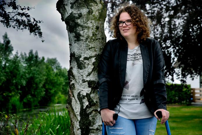Jetske Postma heeft een crowdfundactie opgezet voor een handbike.