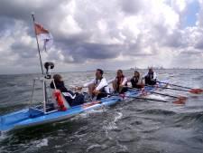 KikaRow tegen kinderkanker meert aan bij Jason in de Nieuwe Haven in Arnhem