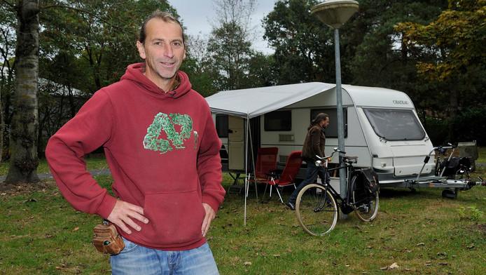 Amersfoorter Erik Andringa werkt als parttime beheerder van de camping. Hij leeft er met zijn gezin in een camper.