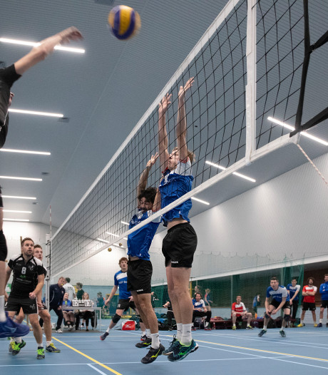 Volleyballers Renswouw: 'Het is nog even wennen in eigen huis'