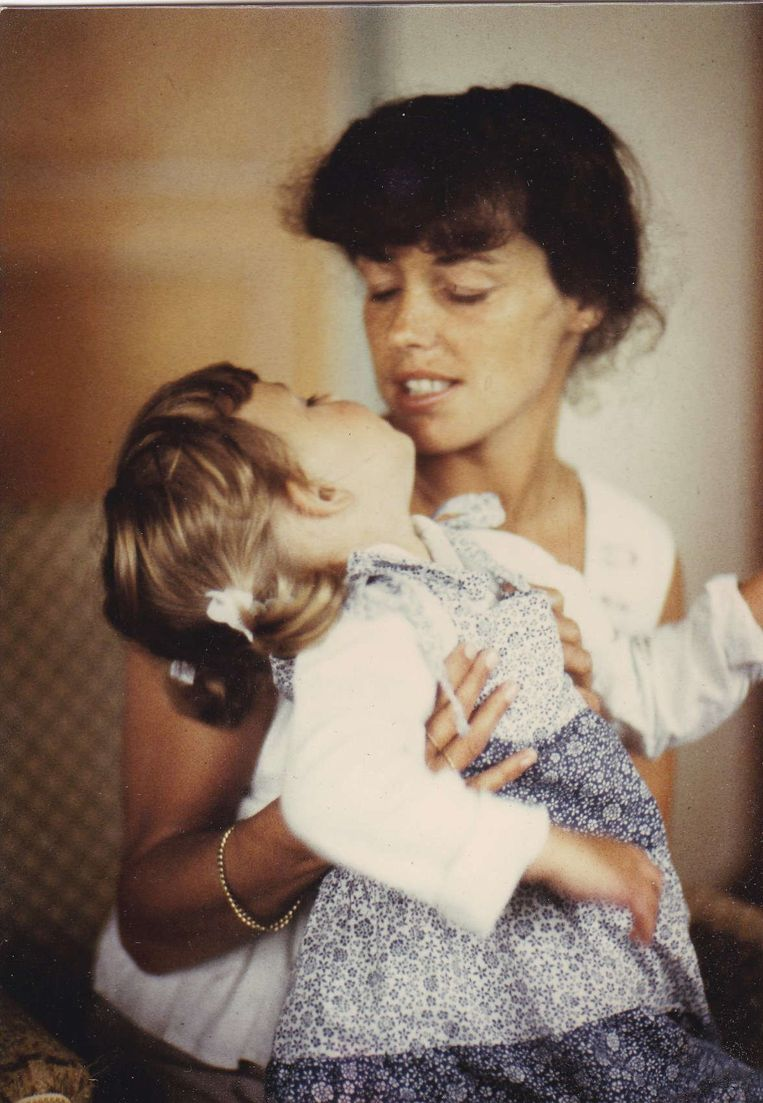 Moeder Rieneke en dochter Mirjam. Beeld familiealbum
