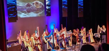 'Onder water' gedompeld in Nuenen door Blue Planet Harp Ensemble