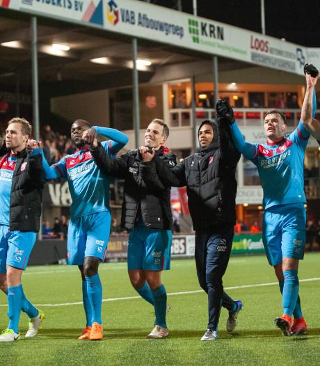 Peet Bijen schiet FC Twente naar zege in Volendam