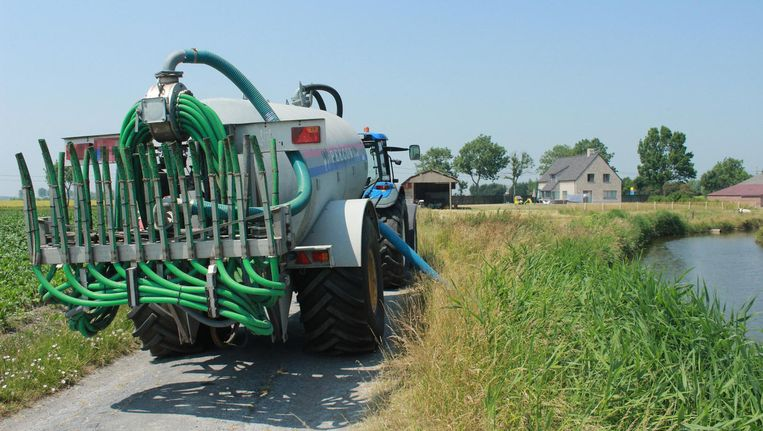 Niet langer sproeiverbod in West-Vlaanderen, water oppompen wel ...
