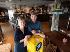 Café 'n Tip in Daarle en het mysterie van de 7 gele fietsen