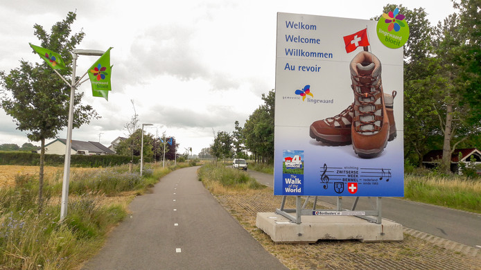 In alle talen worden Vierdaagse-wandelaars welkom geheten in Lingewaard. Maar niet in het Frans.