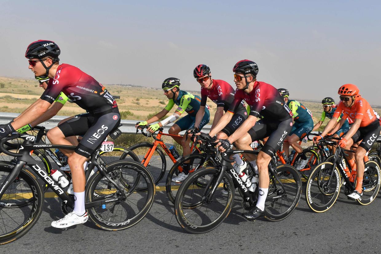Chris Froome van de INEOS ploeg tijdens de eerste fase van de UAE Cycling Tour, Dubai. Beeld AFP