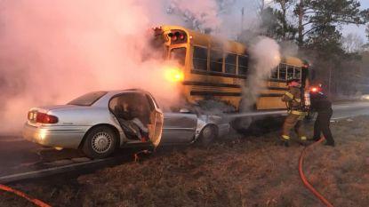 Buschauffeur redt 34 kinderen uit brandende schoolbus in VS