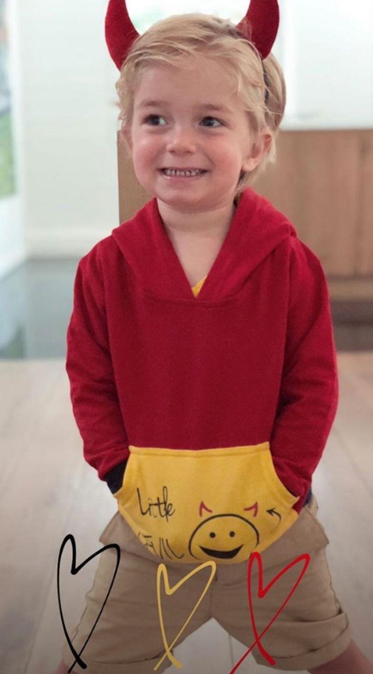 Kim Van Oncen postte een schattige foto van haar zoontje Jack.