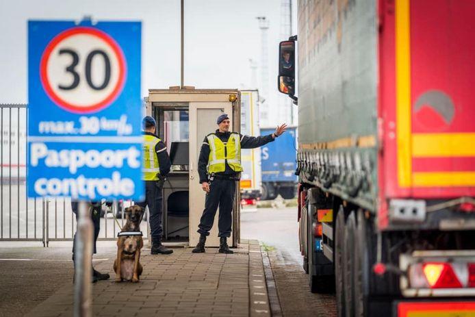 Marechaussees vonden vandaag verstekelingen in Hoek van Holland en Europoort