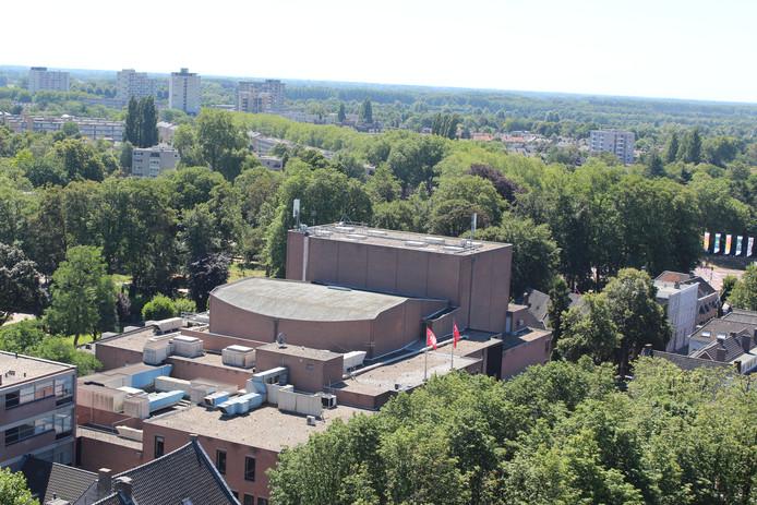 Het Theater aan de Parade vanaf de toren van de Sint-Jan gezien.