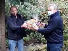 Boeren brengen ook voedselpakket naar ziek Kamerlid Bisschop, bij hem thuis in Veenendaal