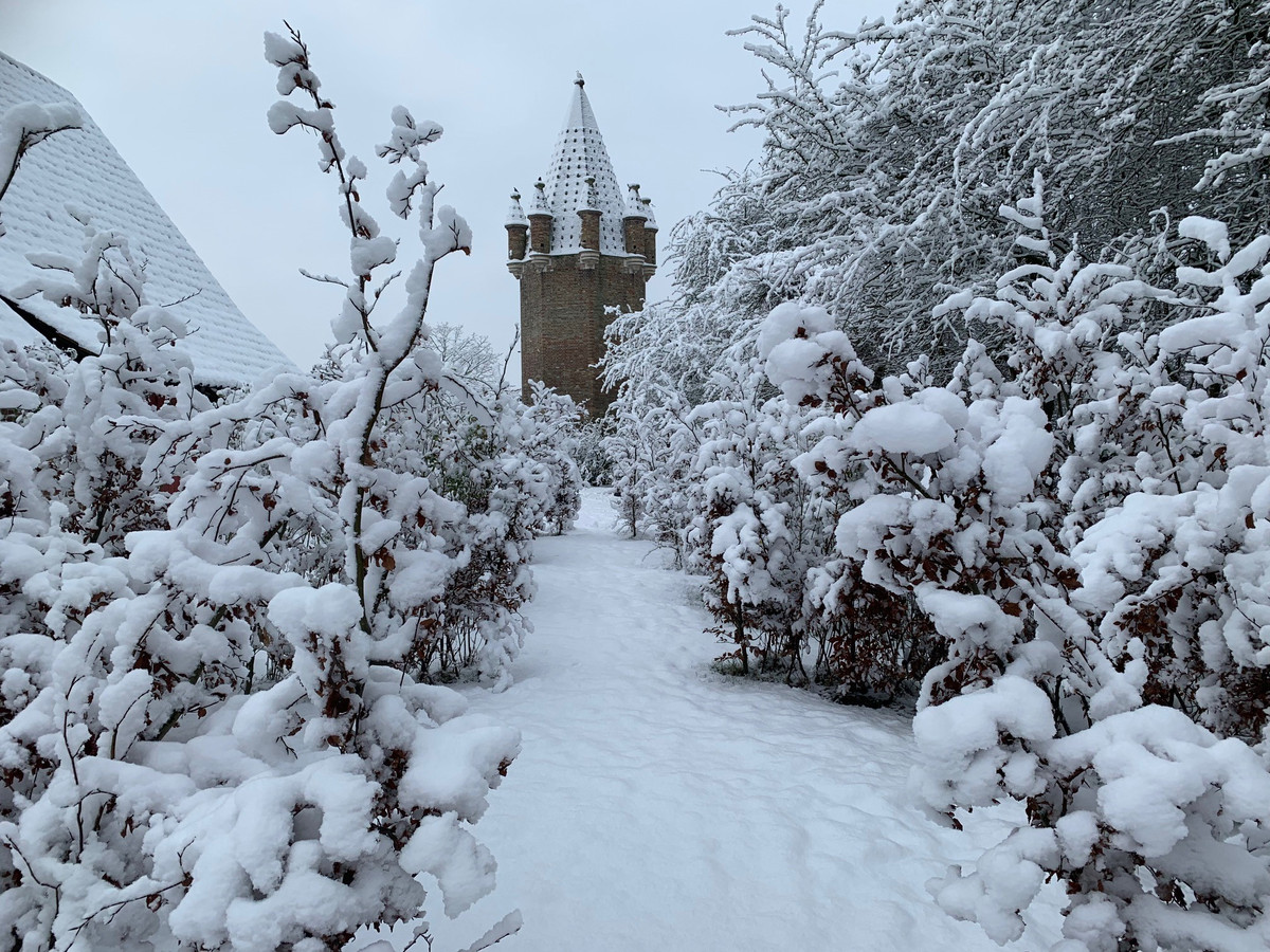 Woensdagochtend lag er een dikke laag sneeuw in de omgeving van de kinderboerderij.