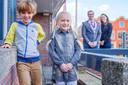 Dorinthe van de Kraats (10, Wilnis) is kinderburgemeester, en Fabriz Kalse (9, Baambrugge) de loco-burgemeester van de gemeente De Ronde Venen.