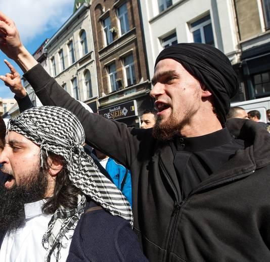 Michaël Delefortrie, un personnage bien connu de Sharia4Belgium. Il est revenu de Syrie, condamné dans le procès Sharia4Belgium mais est libre.