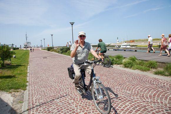 Fietsen in Nieuwpoort. De gemiddelde leeftijd van de fietsrecreant is 55 jaar.