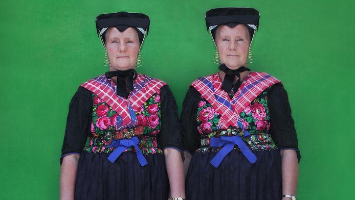 Het Nederlands Tweelingregister is op zoek naar hoogbejaarde tweelingen voor onderzoek naar Alzheimer.