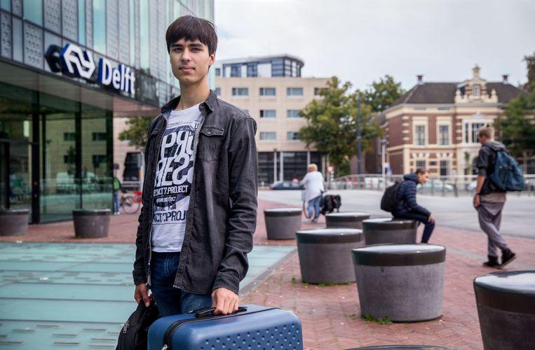Daniil Soloviev pakt zijn koffers en vertrekt vanuit Delft naar Cambridge. Beeld Jean-Pierre Jans