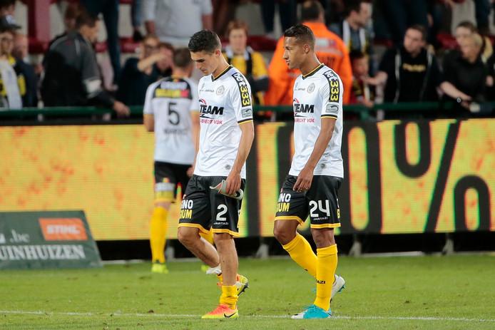 Luciano Slagveer (rechts) wordt voor een jaar gehuurd van SK Lokeren.
