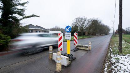 """Verkeersremmers Lombaardstraat worden verwijderd: """"Creëert onveilige situaties"""""""