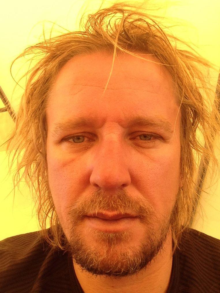 De volgende foto's tonen het effect van de klim op Lassche. Hij maakte gedurende het proces negen foto's van zichzelf. 4/9 Beeld Geert Jan Lassche