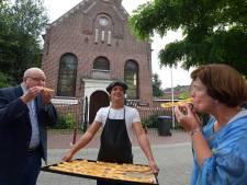 Protestantse gemeente viert met PKN-duif als lekkernij 200-jarig Lodewijkskerkje in Oudenbosch
