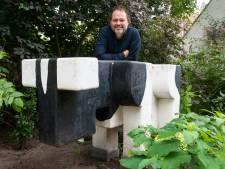 Iconische stier van het postkantoor is nog in Terheijden: 'Die koei is een ode aan mijn dorp'
