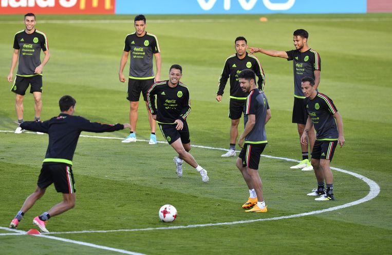 Javier Hernandez in een rondootje.