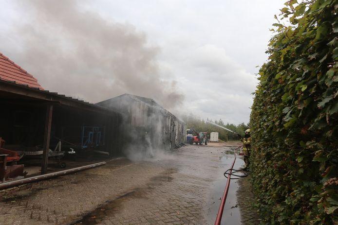 Brand aan de Winkelsestraat in het buitengebied bij Biezenmortel.