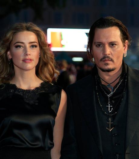 "Johnny Depp accuse Amber Heard d'avoir ""peint"" ses bleus"