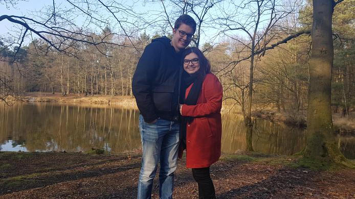 Starter Simone Aben en haar vriend Roel Lepelaars zoeken een woning, bij voorkeur in Veldhoven.