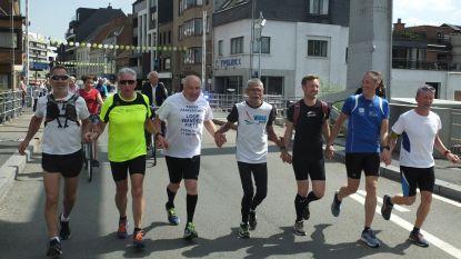 Freddy Tack (67) fietst en loopt 14.500 euro bijeen voor goed doel
