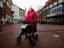 Senior gezonder door loopje naar brievenbus