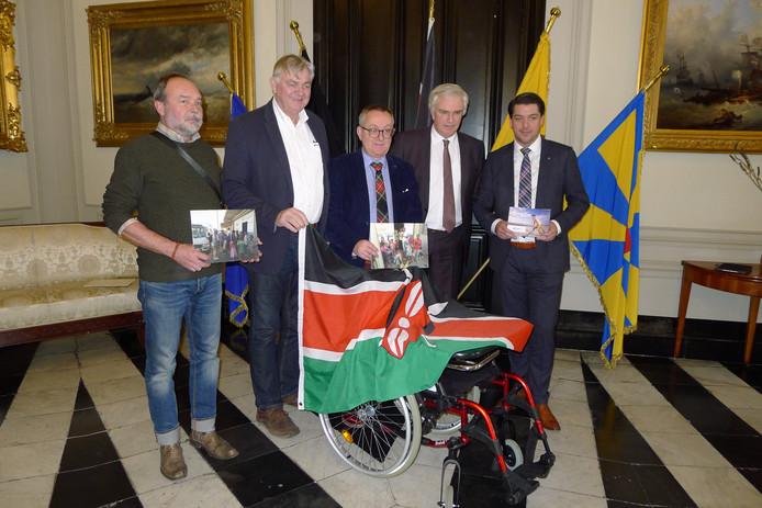 Er gaat onder meer een rolstoel naar Kenia.