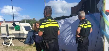 Krakers blijven zitten op camping in Scharendijke; ultimatum verstreken, politie is vertrokken. 'Gat' ook digitaal gekraakt