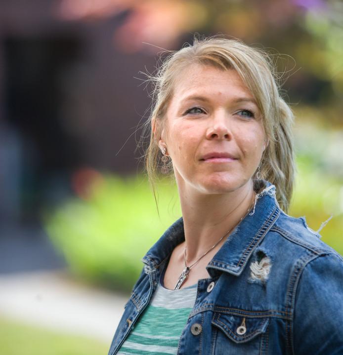 Elfi Baillien is hoofddocent aan de KU in Leuven, ze doet onderzoek naar pesten op het werk.