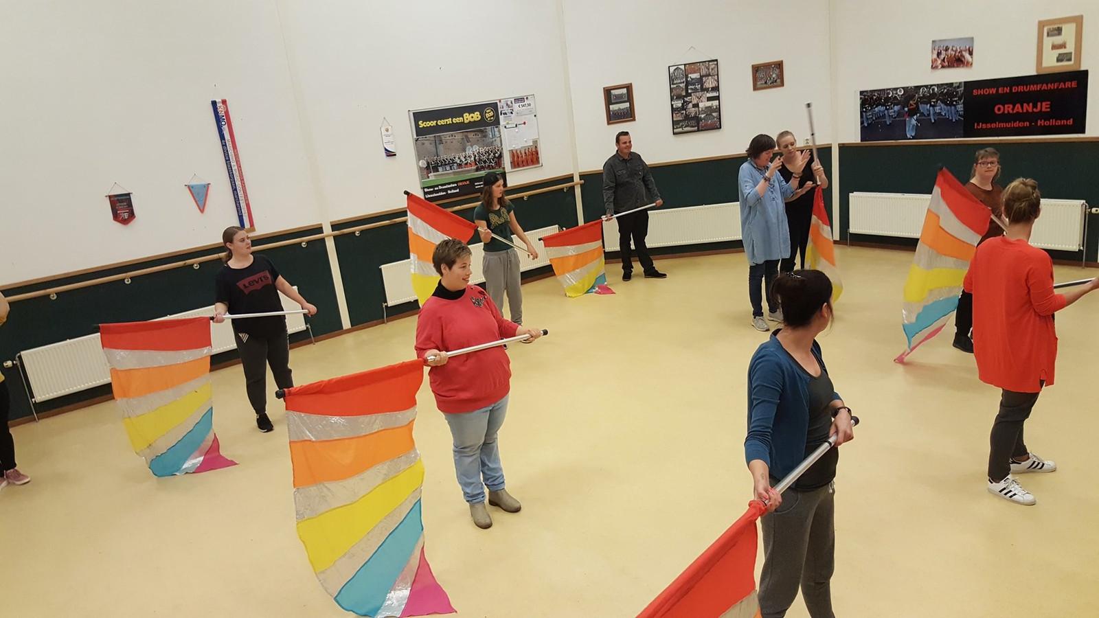 Een aantal deelnemers tijdens de workshop eerder deze maand bij het onderdeel vlag.
