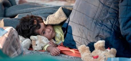 Kabinet haalt 100 vluchtelingen uit afgebrand Grieks kamp naar Nederland