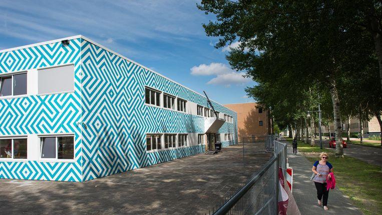 Het Cornelius Haga Lyceum, de nieuwe islamitische school, heeft een pand aan de Naritaweg in Nieuw-West gekregen, maar vindt dat niet geschikt. Beeld Mats van Soolingen