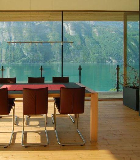 Zwitsers chalet geeft adembenemende kijk op de Alpen