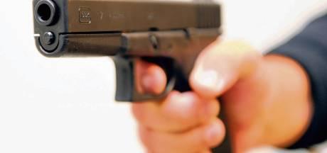 Inbrekers bedreigen slachtoffer met vuurwapen in Oudenbosch
