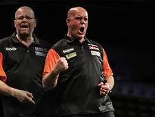 Mighty Mike en Barney verpulveren Wales in WK-finale