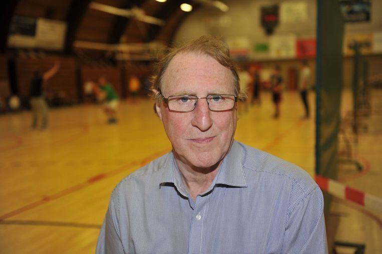 Voorzitter van BAVI Jan Eyndels klaagt over de veel te koude sporthal.