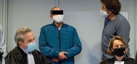 """""""Ik dacht dat hij die messen ging grijpen"""": Mohamed Ebrahimi (48) verdedigt zich tijdens assisenproces"""