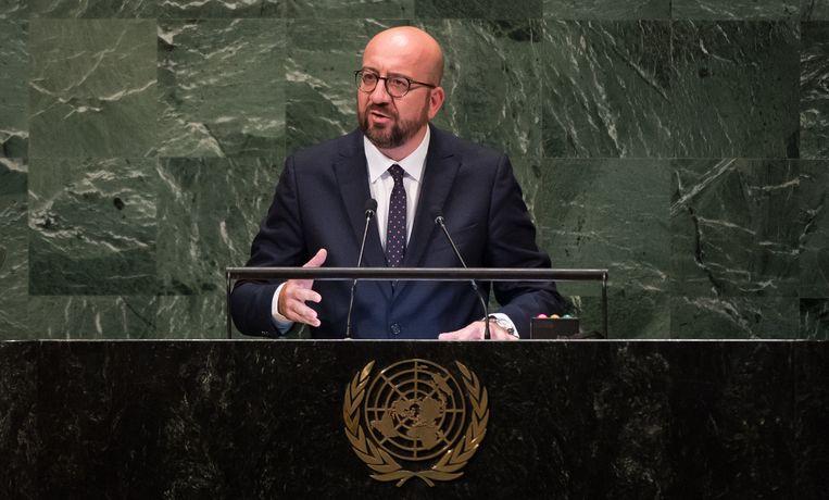 Eind september sprak premier Charles Michel (MR) de Algemene Vergadering van de Verenigde Naties toe en beloofde hij dat ons land het VN-migratieakkoord zou tekenen. Maar zes weken later steekt de N-VA de premier stokken in de wielen.