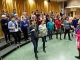 Veel besmettingen bij koren en muziekgroepen:  lukt het om weer coronaproof te zingen? 'Het kan met een mondkapje'