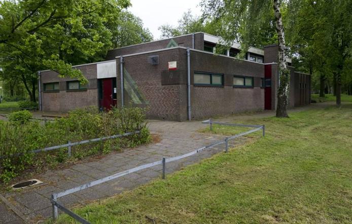 De gymzaal aan Het Stroink komt voor zeker tien jaar in handen van de wijkbewoners. Foto: Frans Nikkels